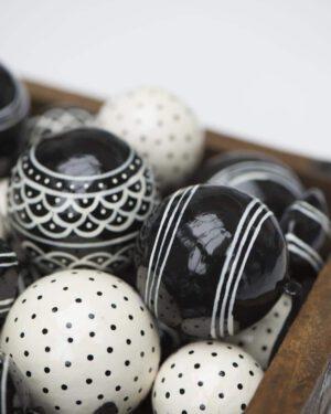 Ib Laursen, Joulupallo viivakuviot, Musta/valkoinen, 7cm